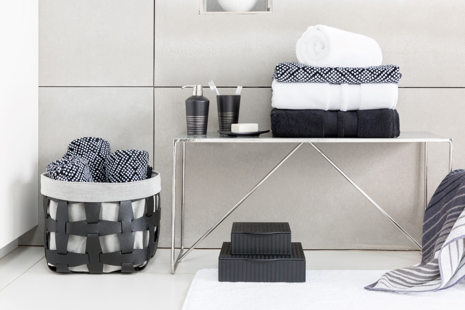 DISTRICT Bathroom & Accessories 110-Recovered (Large) - The LuxPad ...
