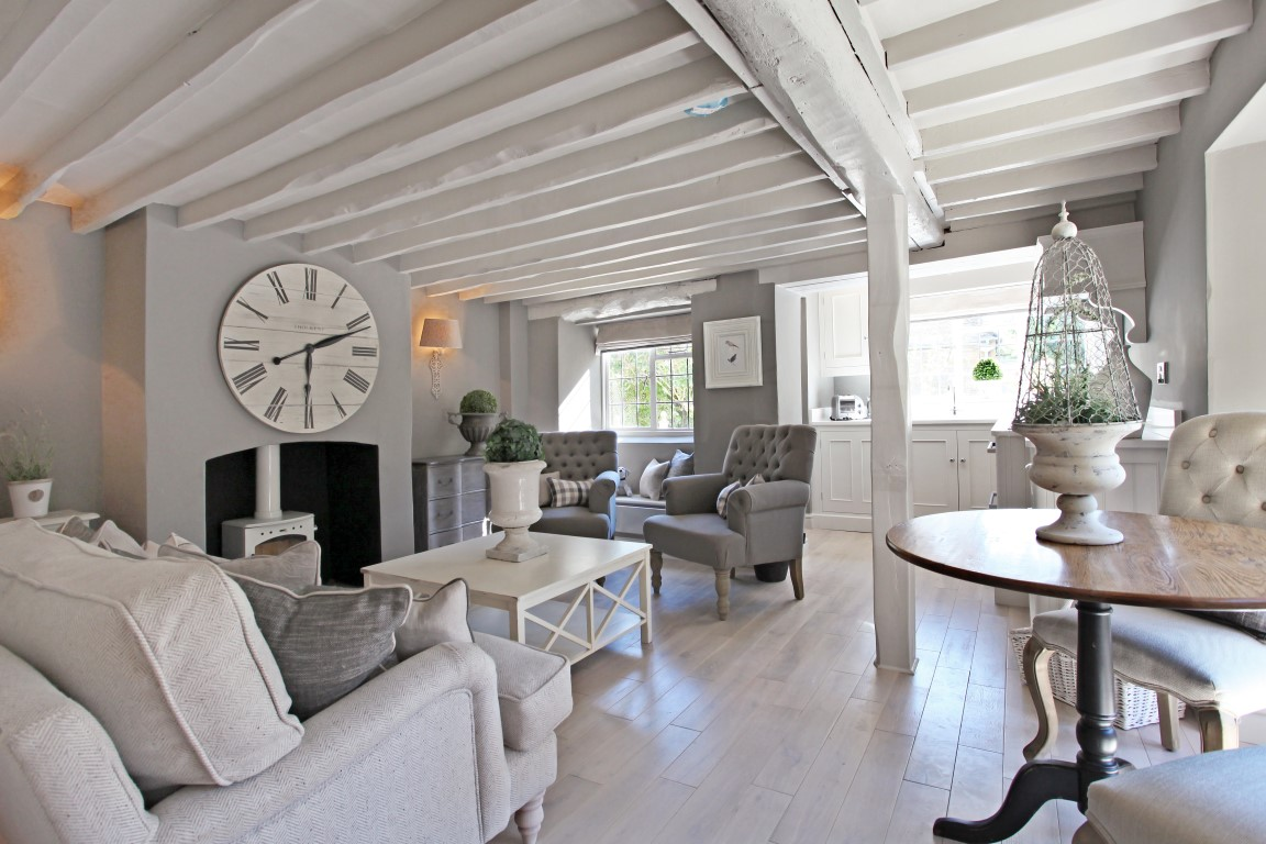 Top 5 Breathtaking Holiday Cottages The Luxpad