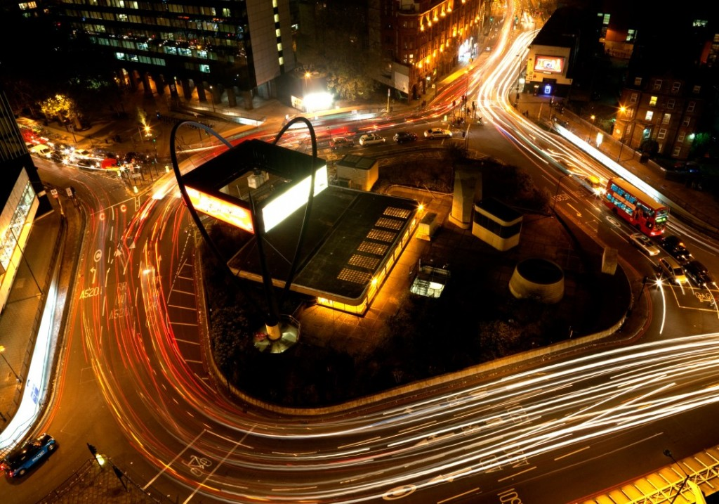 C9CEAE Old Street roundabout (The Silicon Roundabout), London during evening rush hour photographed from Bezier apartments building