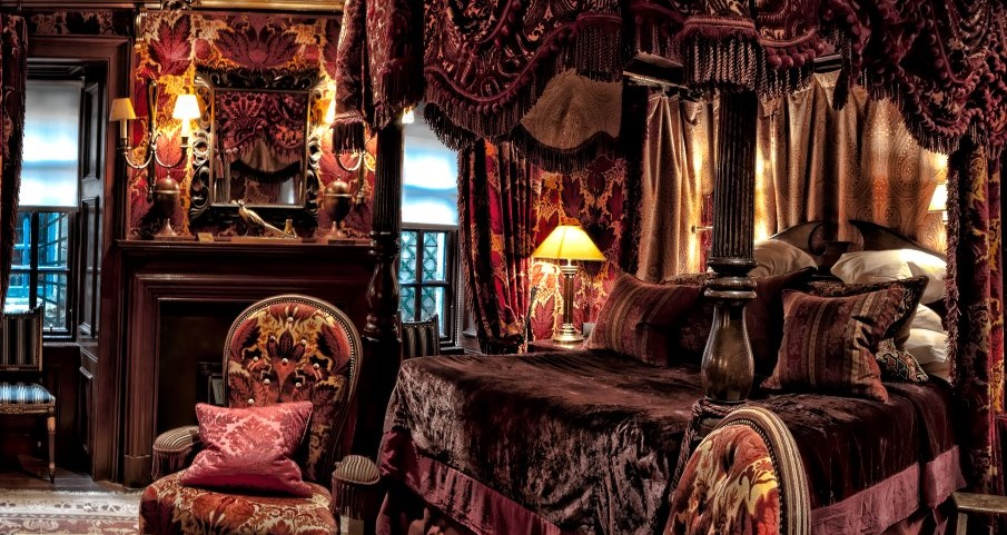 Explore Edinburgh S Colourful Past At The Witchery