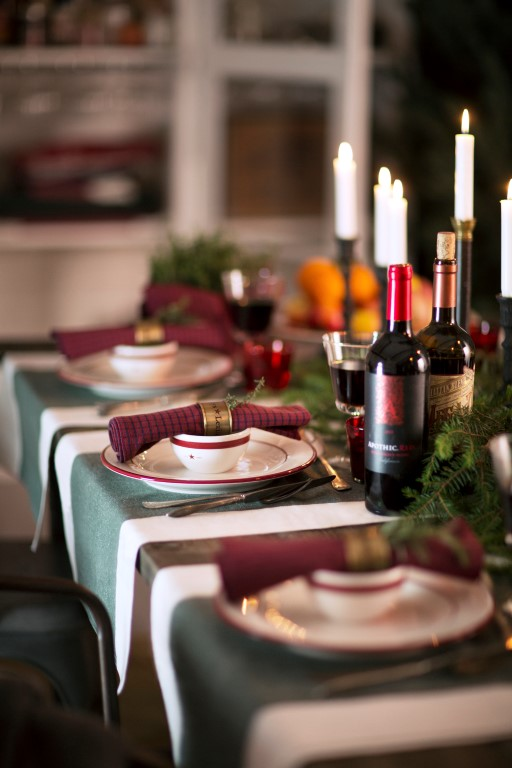 Image courtesy of Lexington & How to Set the Table for Christmas - The LuxPad