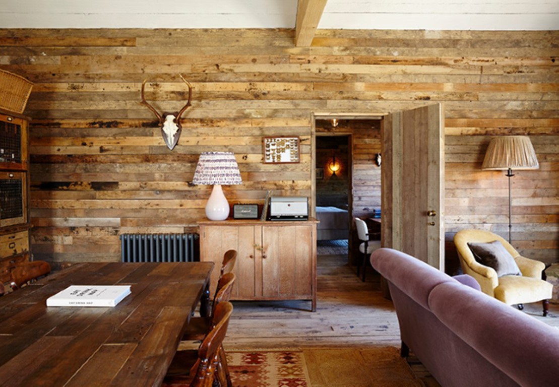 Soho farmhouse s rustic interior style the luxpad for Cuisine rose