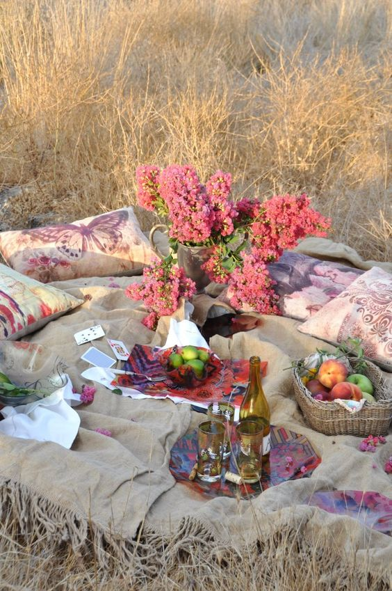 Picnic in Meadow - How to Plan the Perfect Picnic