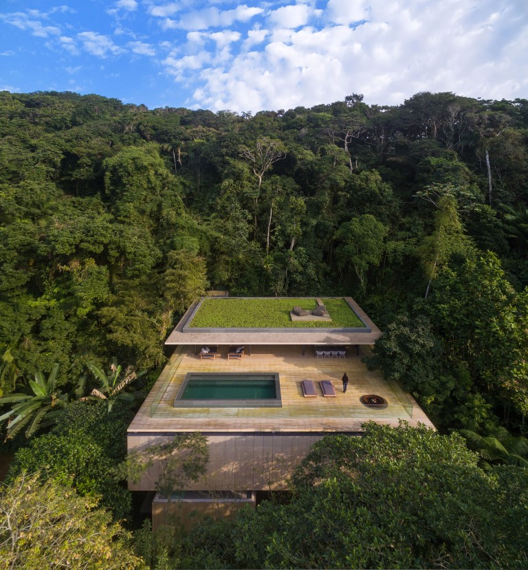 Jungle house, São Paulo, Brazil by studio mk27 - Image courtesy of WAF
