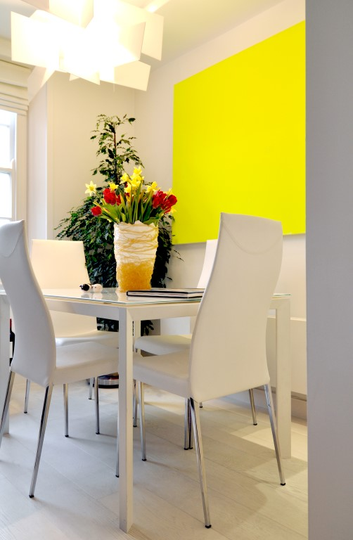 Pop of colour in the dining area - Image courtesy of Kia Designs
