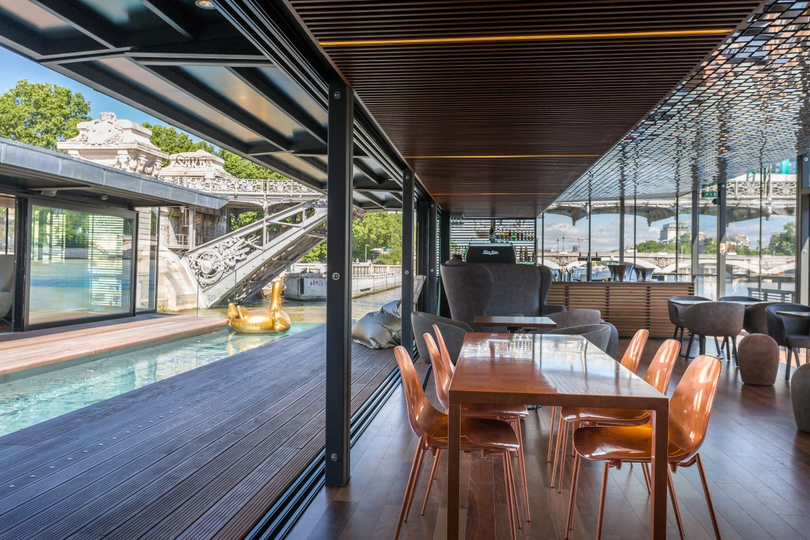 OFF Bar & plunge pool - Image courtesy of OFF Seine
