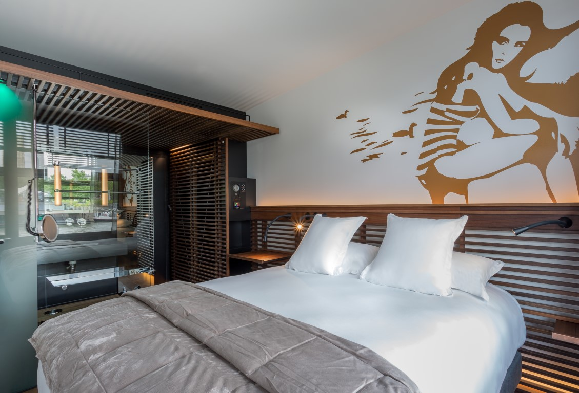 Rive Droite bedroom - Image courtesy of OFF Seine