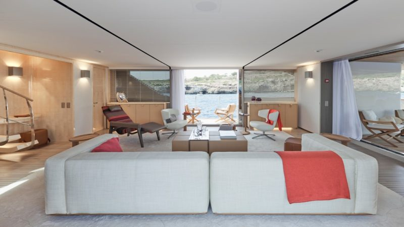 Sanlorenzo Builds the First Yacht Designed by Antonio Citterio