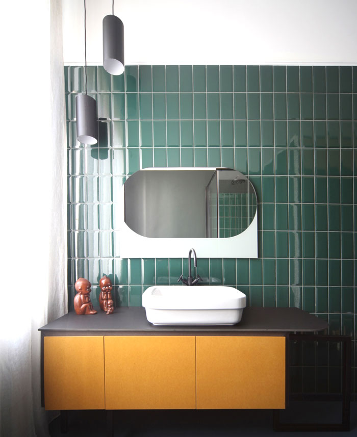 Metro bathroom tile trend