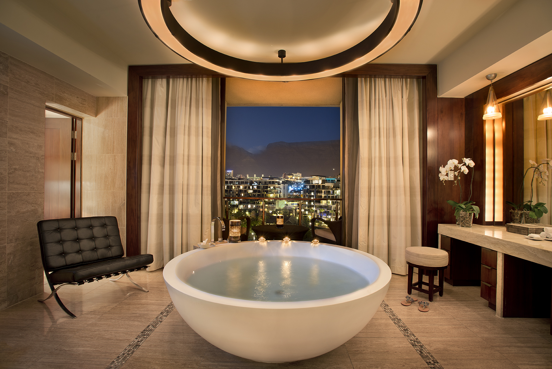 Discover The World 39 S Best Luxury Bathrooms