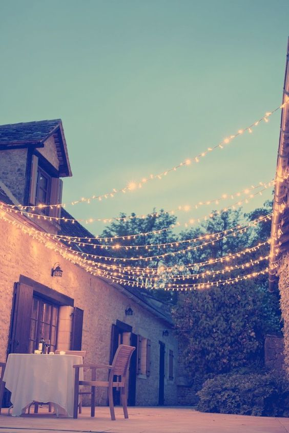 Bath-Garden-Design-String-Lights -Outdoor-Lighting-Ideas