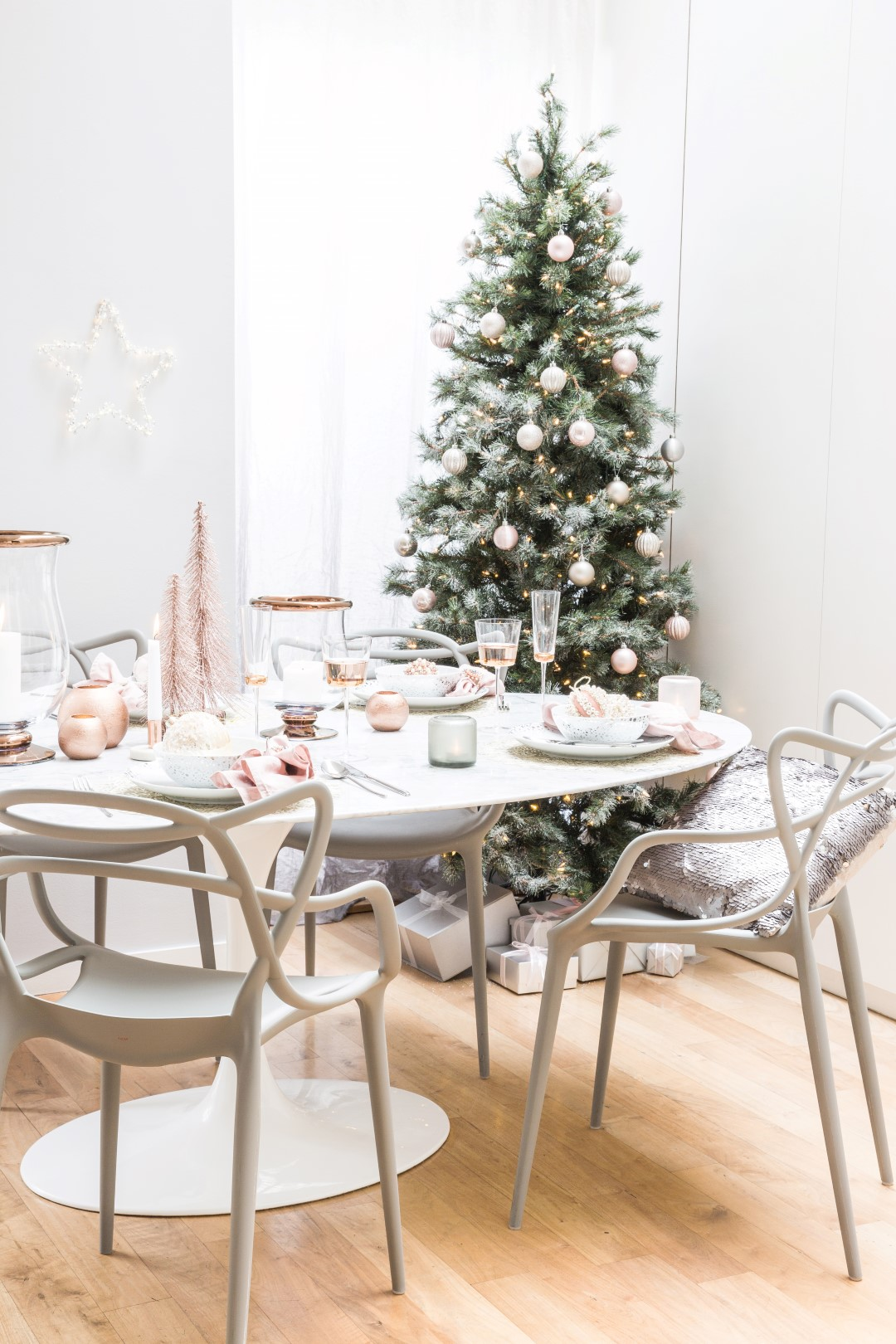 how to decorate your first home for christmas - Decorating Your Home For Christmas