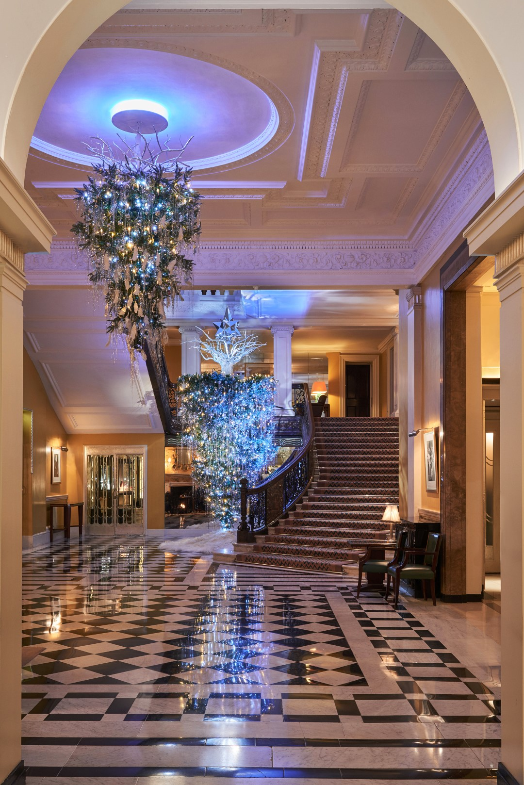 The 2017 Claridge S Christmas Tree By Karl Lagerfeld Is
