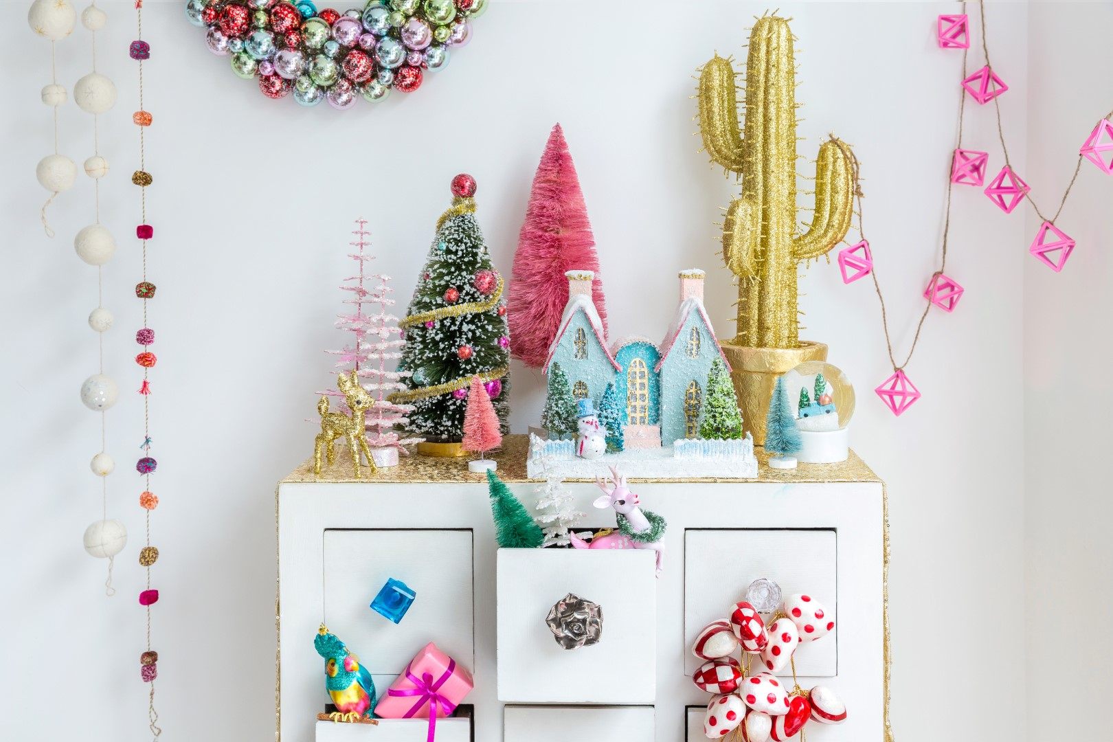 unique ways to decorate for christmas in the home