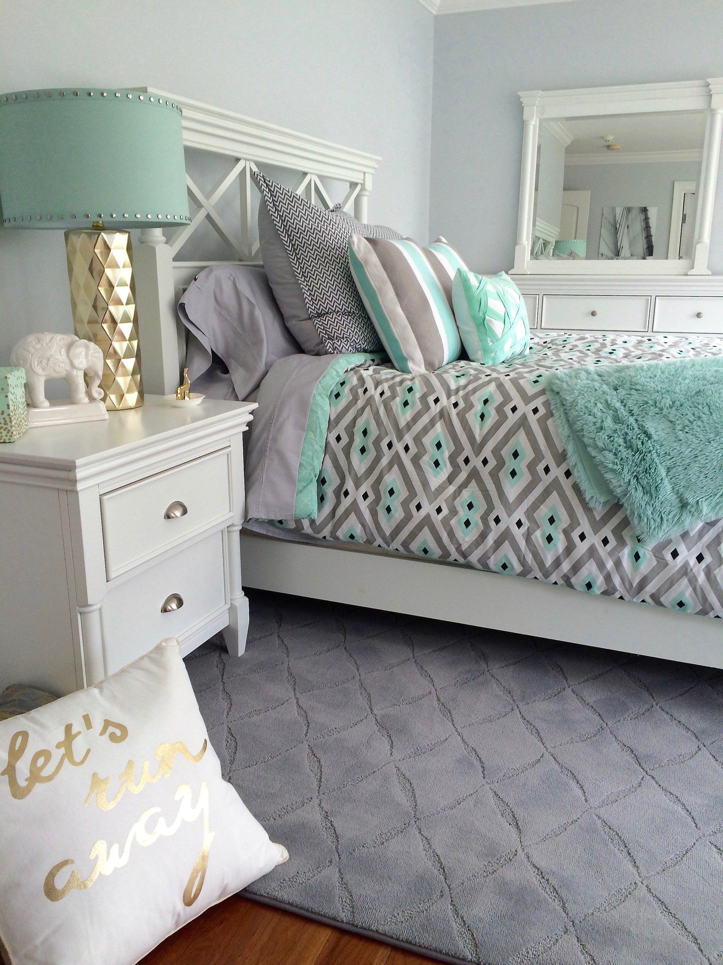 Bedroom Colors That Go With Gold 19 blissful bedroom colour scheme ideas - the luxpad