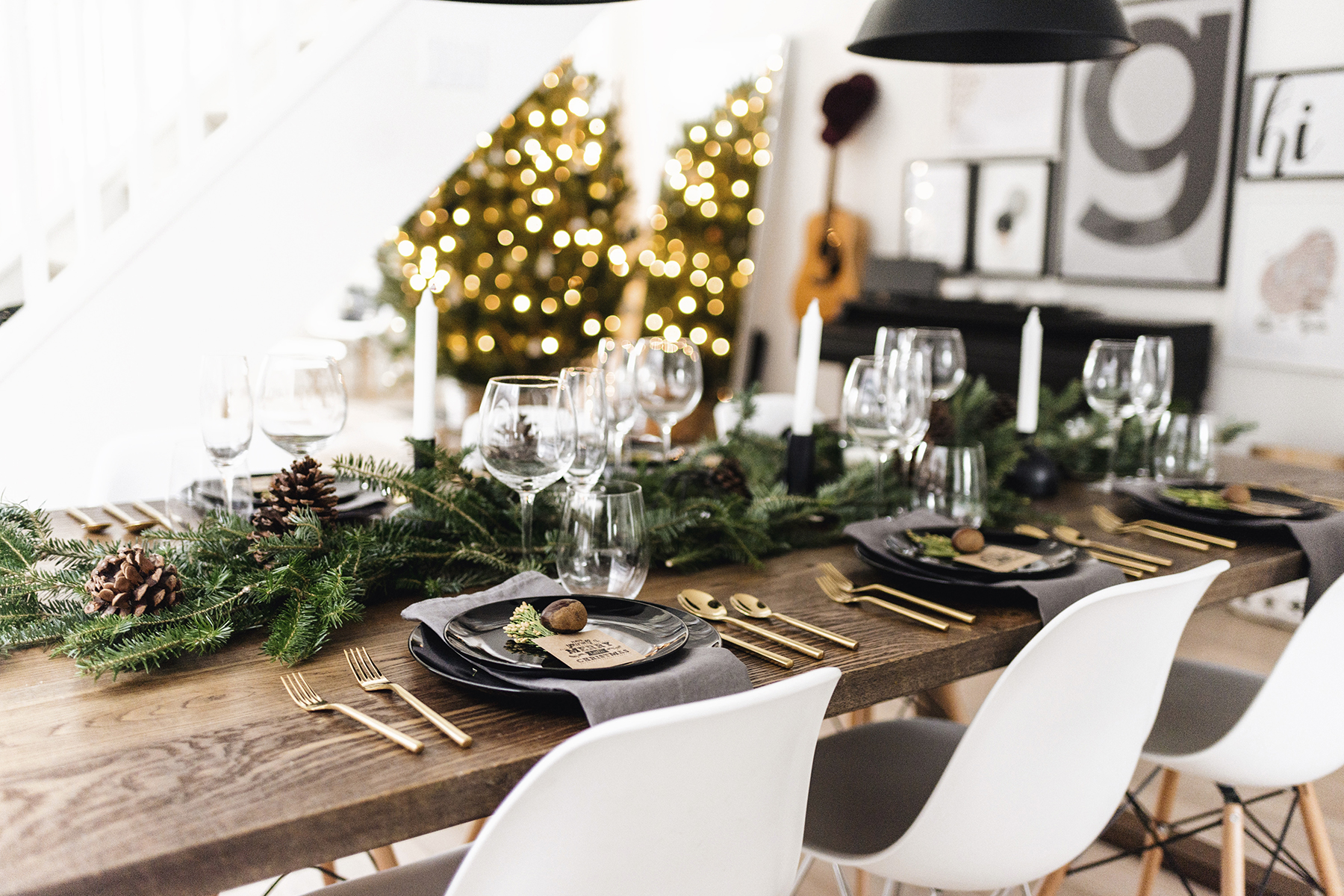 little house on the corner christmas table decoration ideas