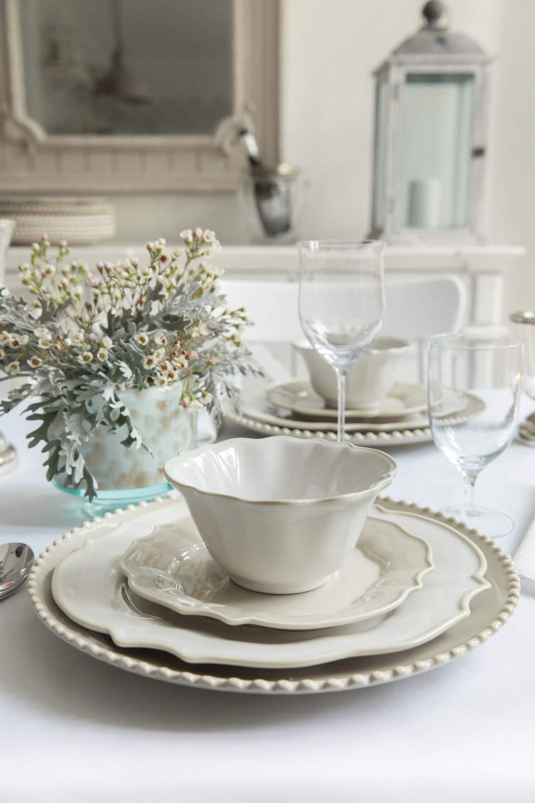 On Trend Dining 5 Table Setting Ideas For 2018