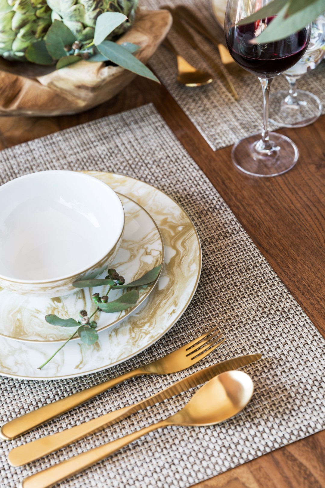 Table setting ideas & On-Trend Dining: 5 Table Setting Ideas for 2018