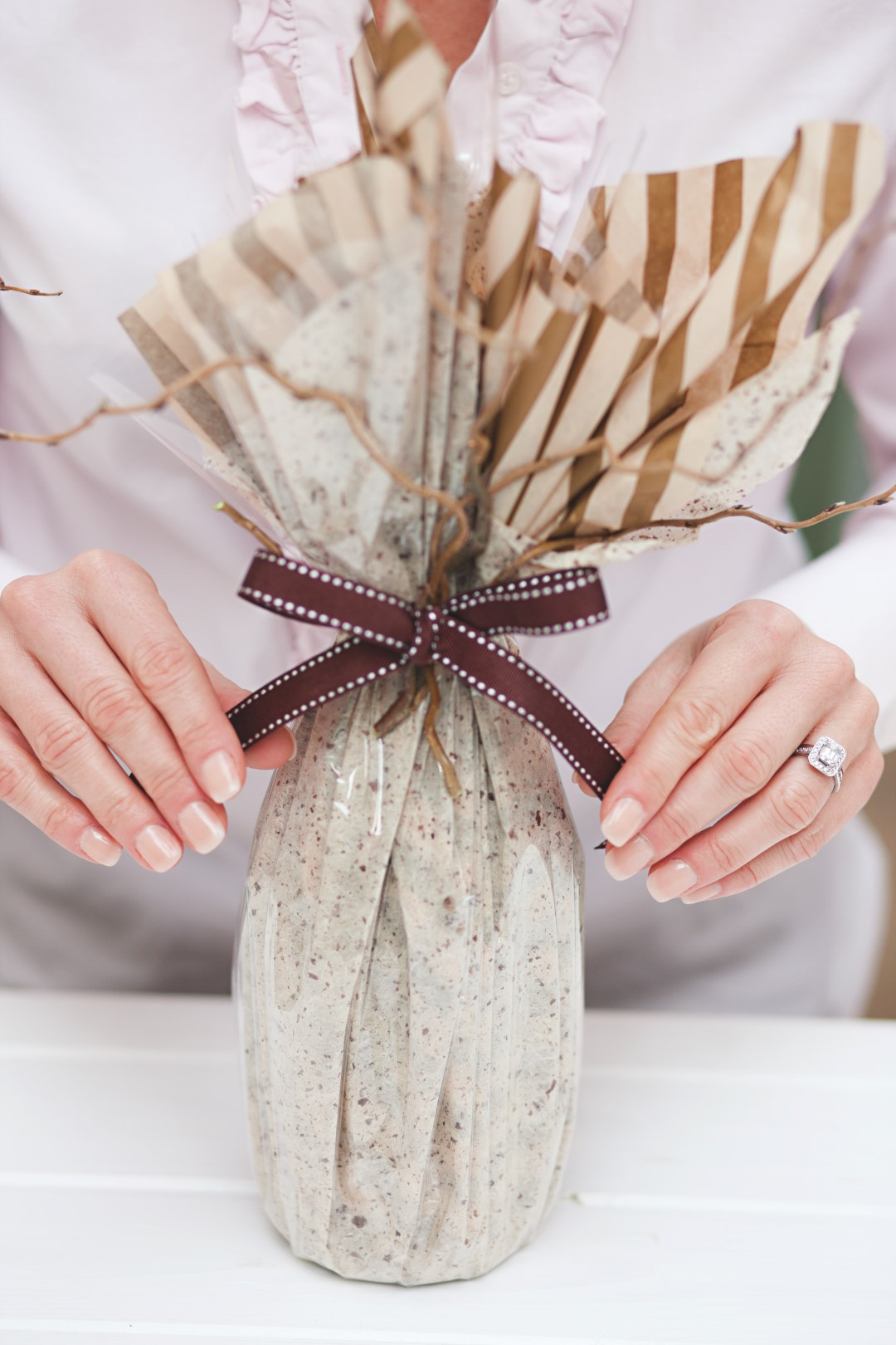 How To Wrap Christmas Presents.How To Gift Wrap Christmas Presents Perfectly With Jane Means
