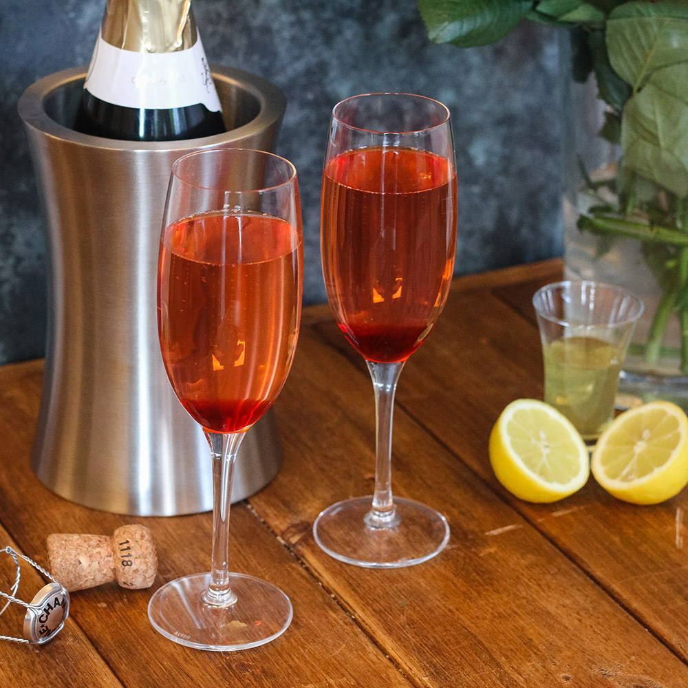 Mothers-Day-Brunch-Ideas-8-Mixed-Berry-Champagne-Cocktail