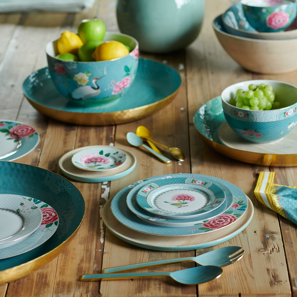 Fancy floral tableware