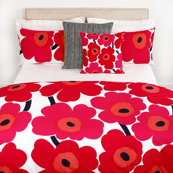 Unikko Quilt Cover - Red/White