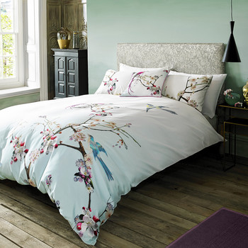 Flight of the Orient Duvet Cover