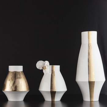 Infini Vase with 2 Gold Bands