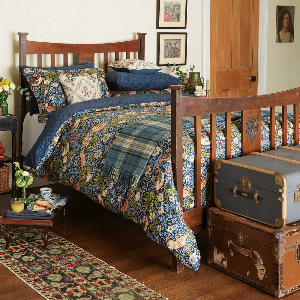 Morris  Co  Strawberry Thief Duvet Cover  Indigo  King