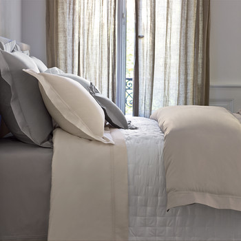 Triomphe Pearl Bed Linen