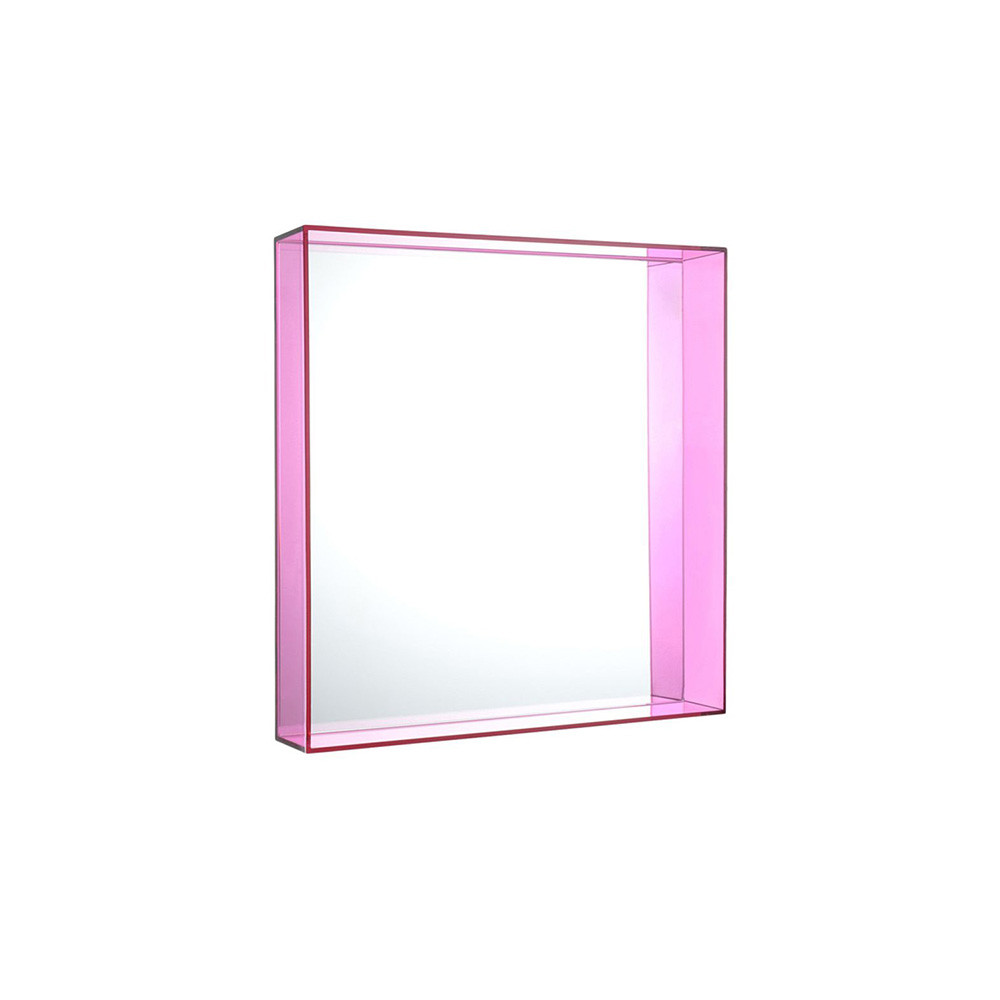Buy kartell only me mirror fuchsia 50x50cm amara for Miroir 50x50