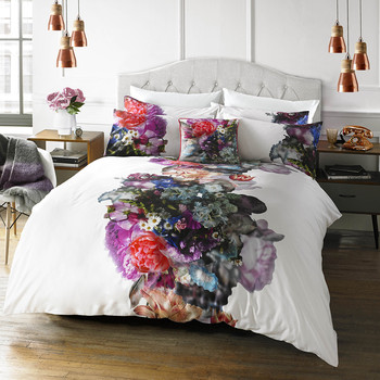 Focus Bouquet Duvet Cover