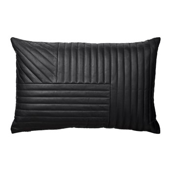 Motum Cushion with Quilt - Black