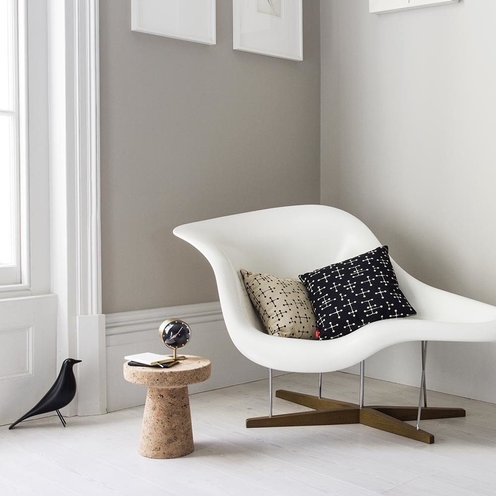buy vitra eames house bird amara. Black Bedroom Furniture Sets. Home Design Ideas