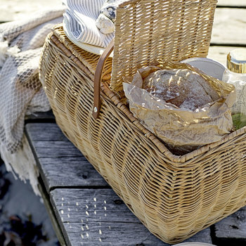 Picnic Baskets & Coolbags