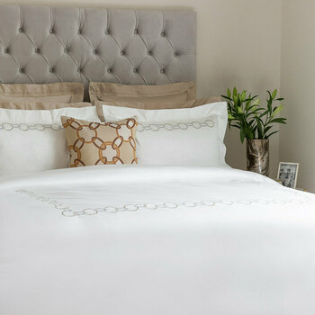 Links Embroidery Beige/White Bed Linen