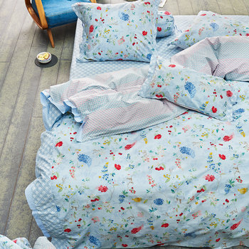 Star White Hummingbirds Bed Linen
