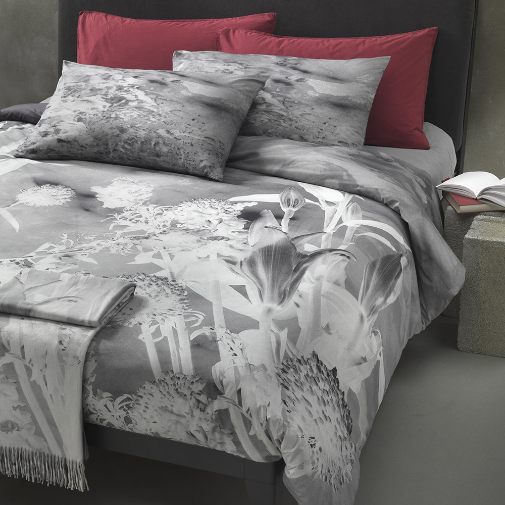 Diesel Living - Ripped Flower Bed Set - Grey - Double