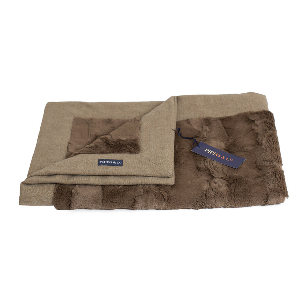Pippa & Co - Classic Dog Blanket - Oatmeal/Brown Fur - Small