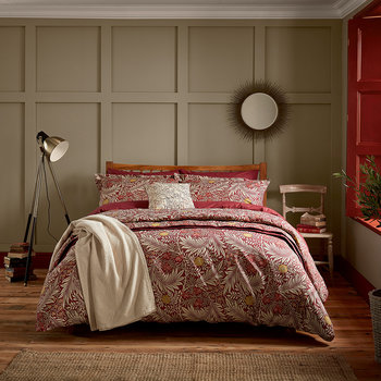 Larkspur Duvet Set - Crimson Red