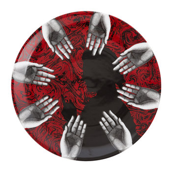 Silhoutte Mani Wall Plate - Red/Black/White