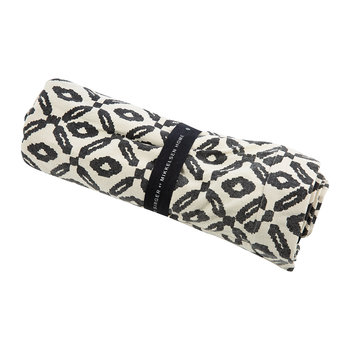 Diamond Print Blanket - Black/White - 140x140cm