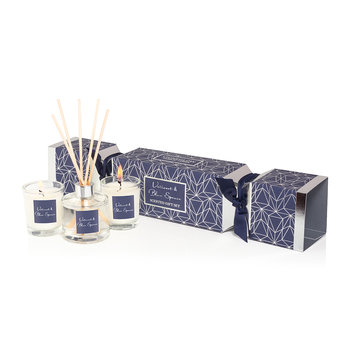 Vetivert & Blue Spruce Christmas Cracker Gift Set
