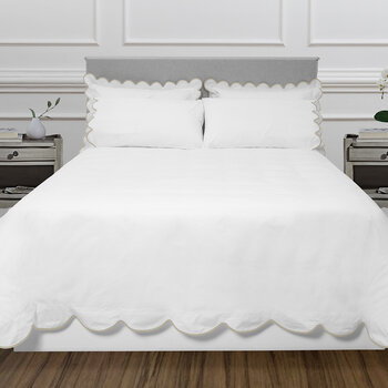 Scallop Bed Set - White/Taupe