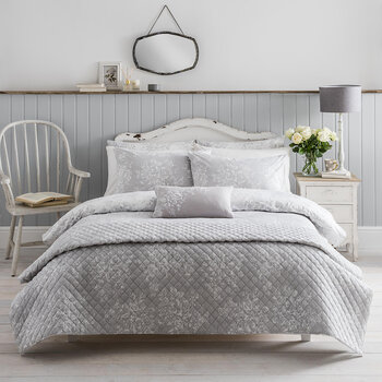 Washed Rose Quilt Set - Grey