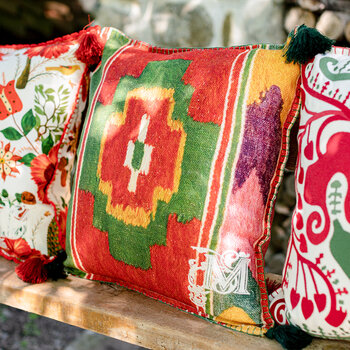Erdely Cushion - 50x50cm - Red/Green