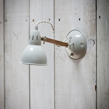 Bermondsey Wall Light - Oak