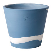 burlington-pot-white-on-pale-blue-17-5cm