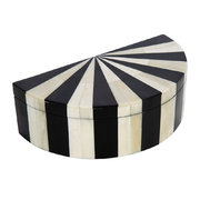 black-white-semi-circle-box