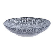nippon-black-pasta-plate-wave